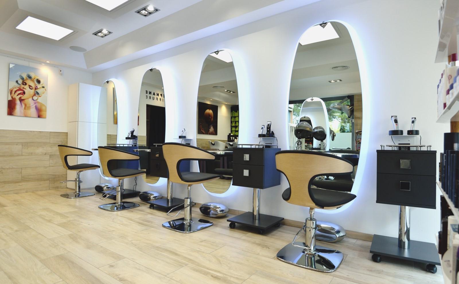Coupe de cheveux salon de beautГ© femmes hommes